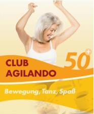 Eine Frau im besten Alter tanzt im Club Agilando!